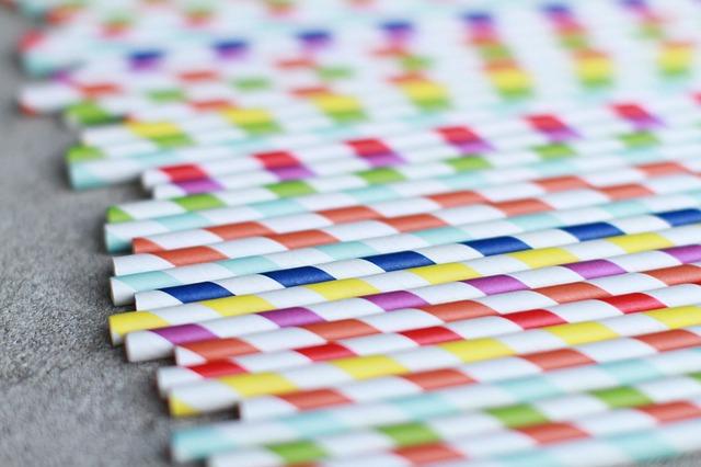Rainbow striped biodegradable paper straws