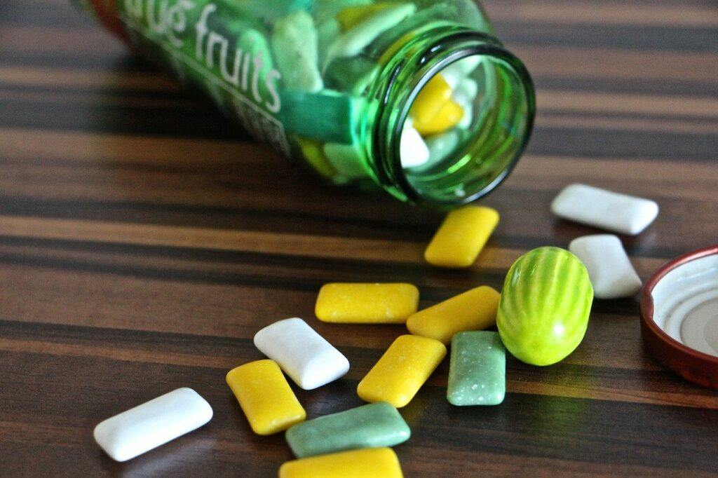 Green-colored gum tablets