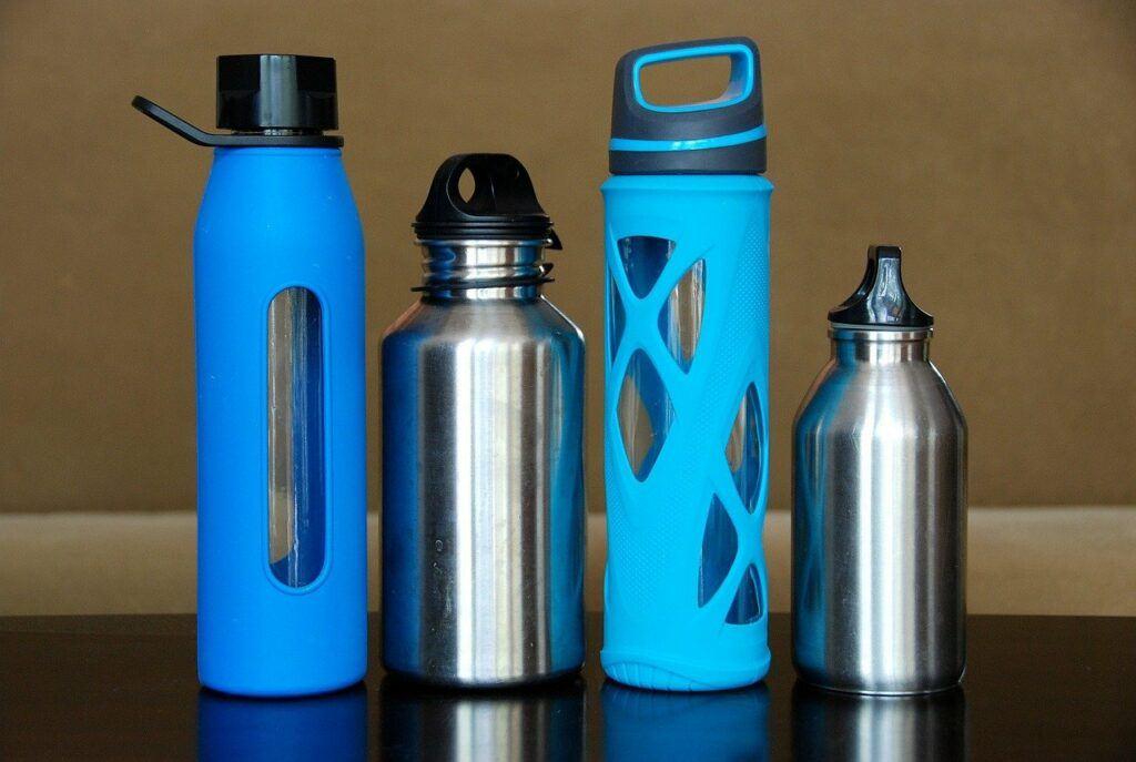 Reusable metal water bottles